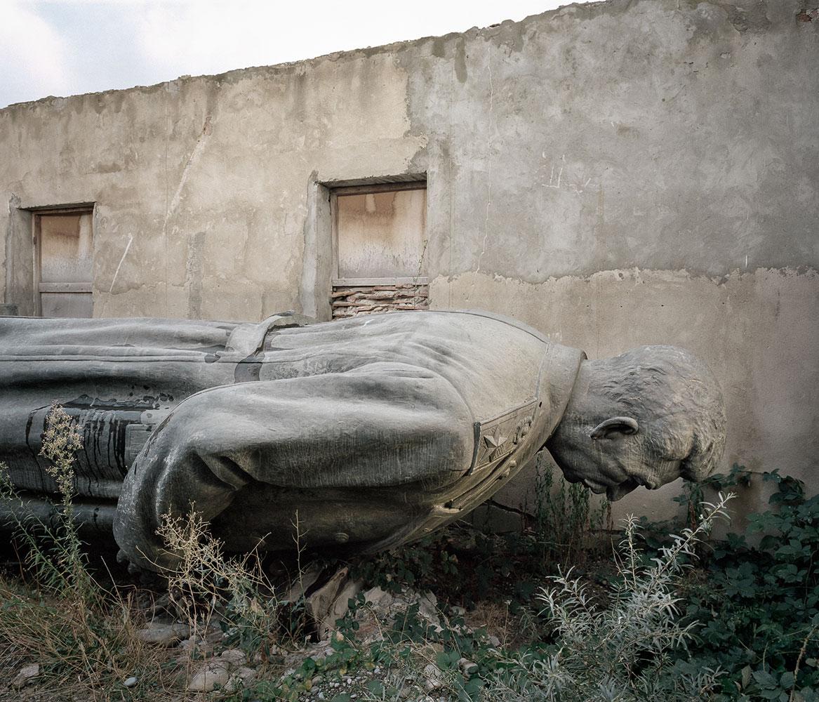 В 1952 году на центральной площади Гори в Грузии поставили шестиметровую статую Сталина. Убрали ее т