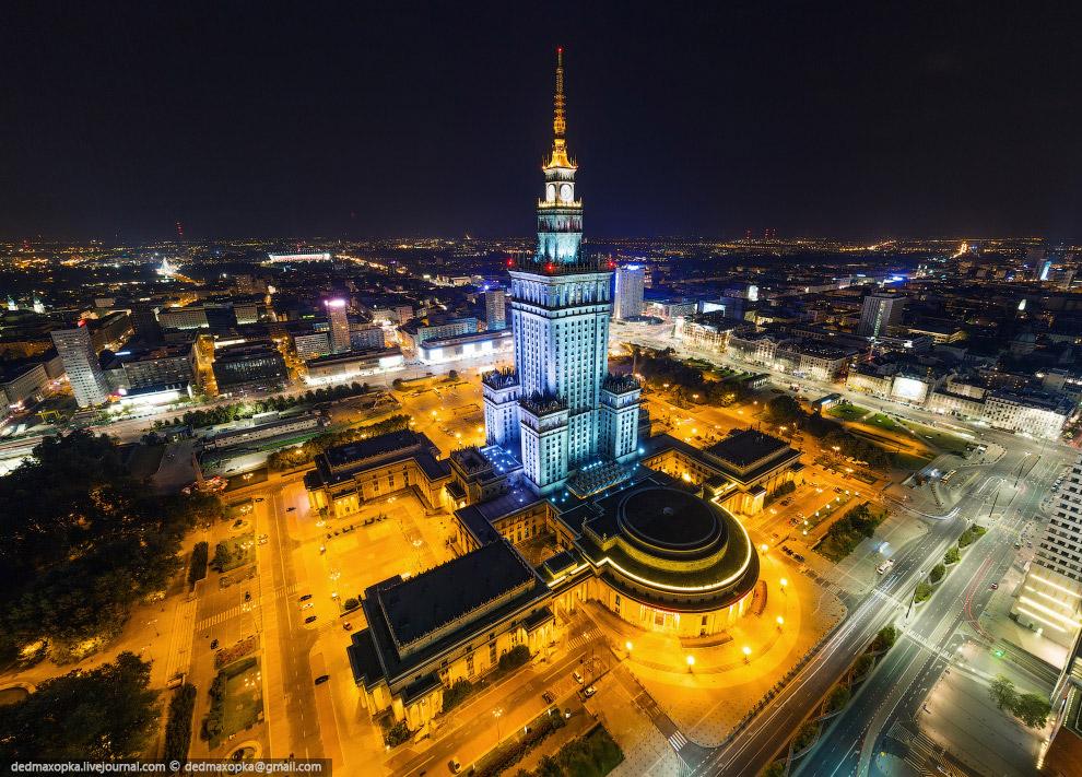 В Варшаве нас интересовала сталинка, мы хотели взобраться на неё, но у нас ничего не получилось