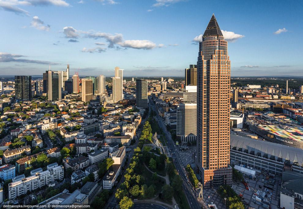 От Франкфурта-на-Майне мы ожидали многого. Город с большим количеством высотных зданий должен б