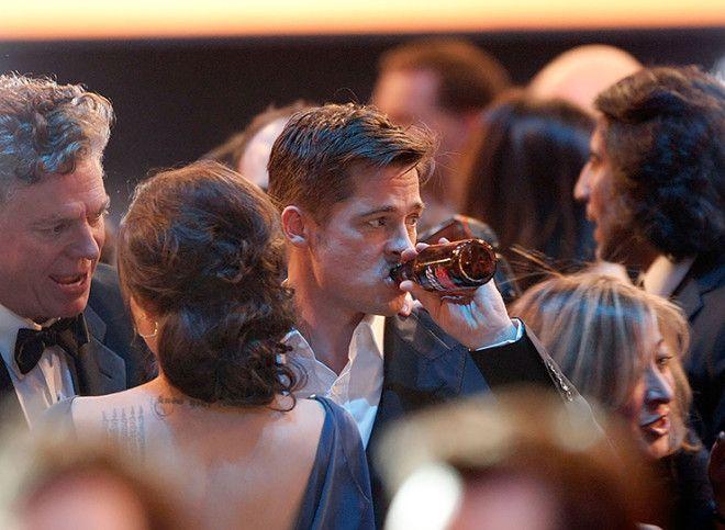 С алкоголизмом борется и Брэд Питт. Актер признался, что именно эта привычка стала причиной развода