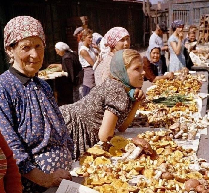 Как это было: продовольственные рынки в Советском Союзе (13 фото)