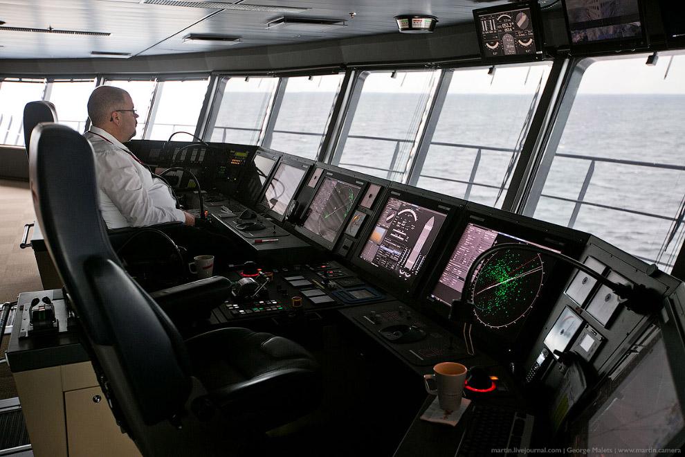 23. Все оборудование для мостика изготовлено кораблестроительным отделением компании Rolls-Royc