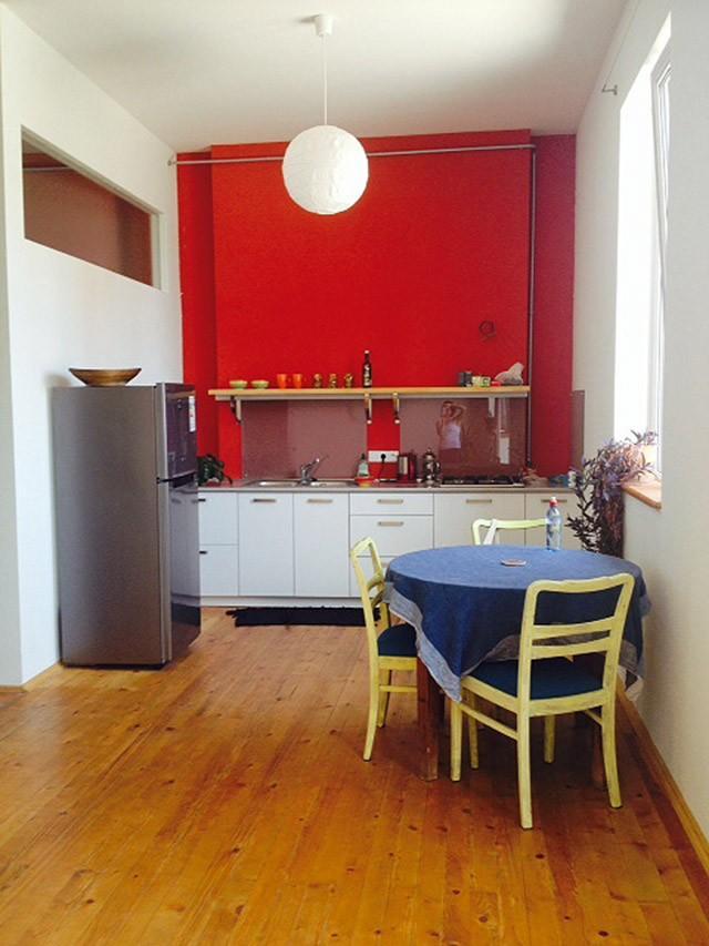 14. Первый наш вариант — однокомнатная квартира в 10 минутах от метро, забронированная из Перми — об