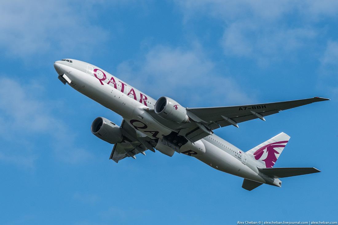 Во флоте авиакомпании более 200 самолетов, в том числе флагманы гражданской авиации — Airbus A380, A