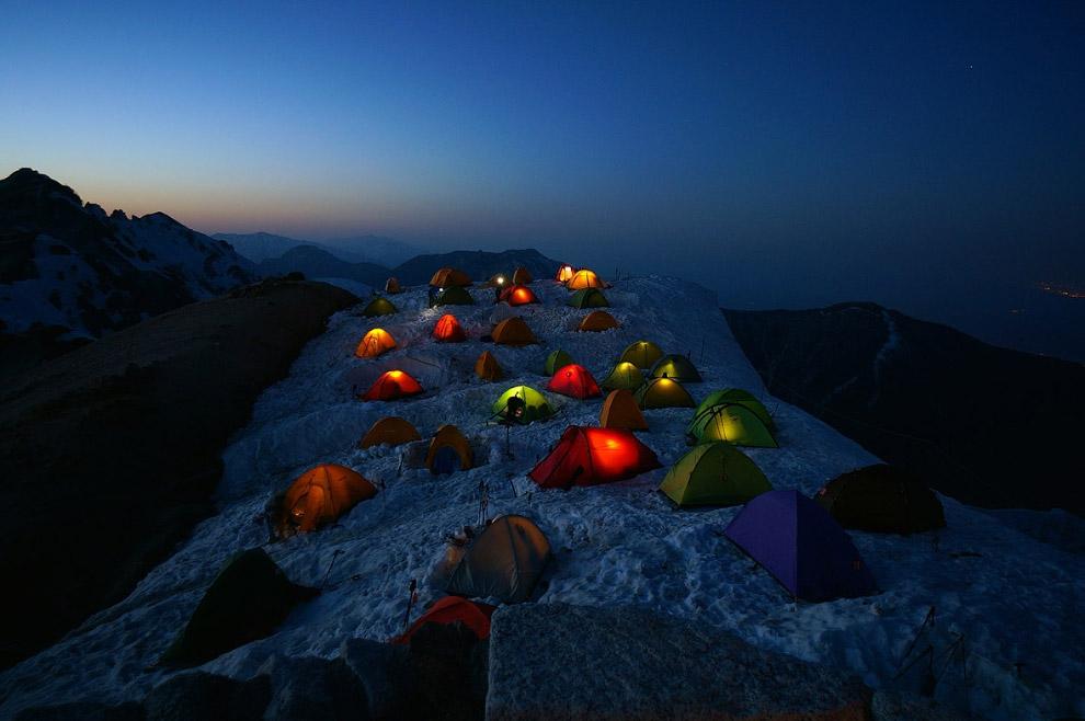 3. Бингем-Каньон, штат Юта. Один из крупнейших карьеров в мире, где ведётся разработка гигантск