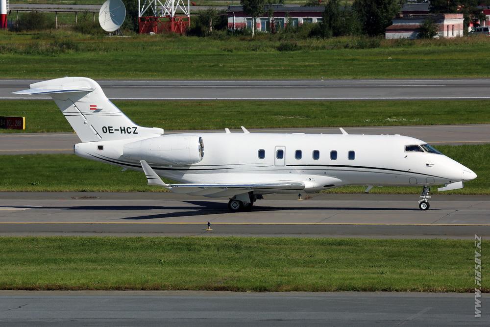 Challenger_300_OE-HCZ_Avcon_Jet_1_LED_.JPG