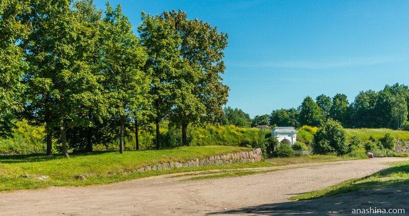 Внешние Фридрихсгамские (Равелинные) ворота и Анненский мост, Выборг
