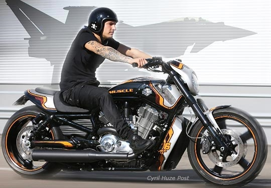 Кастом Harley-Davidson V-Rod Hard Muscle