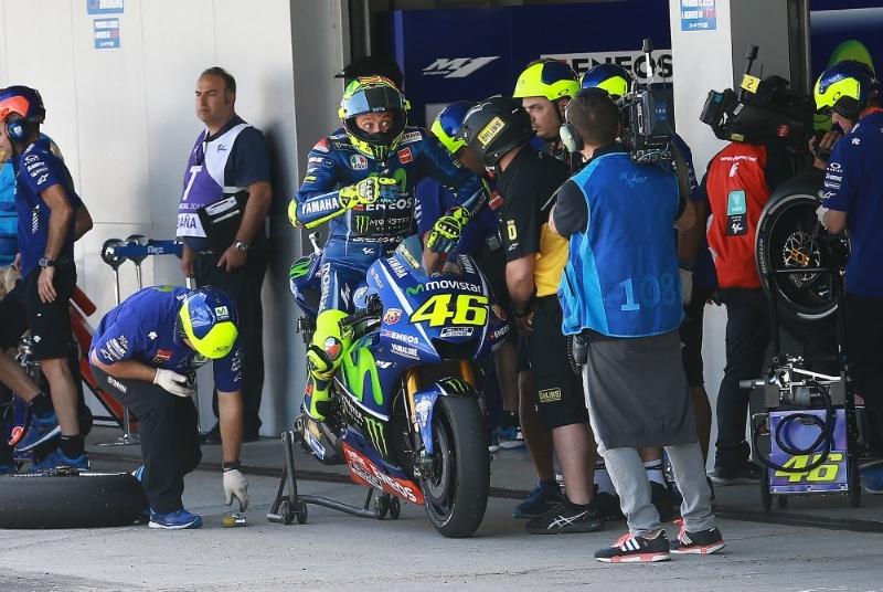 Валентино Росси:  «Yamaha M1 не дружит с резиной»