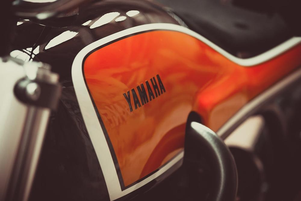 Jigsaw Customs: флэт-трекер Yamaha XSR700 Slider