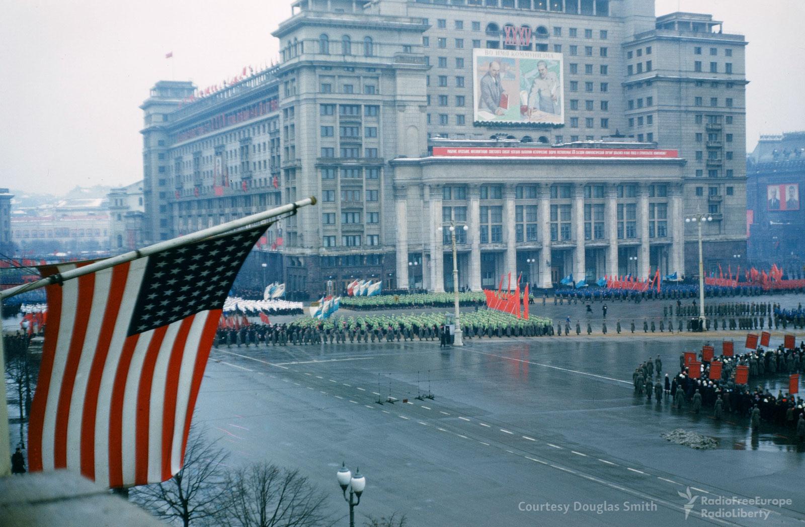 Первомайский парад на Манежной