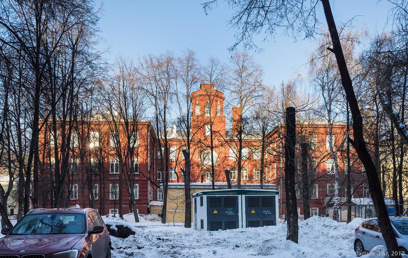 Институт радиотехники и электроники