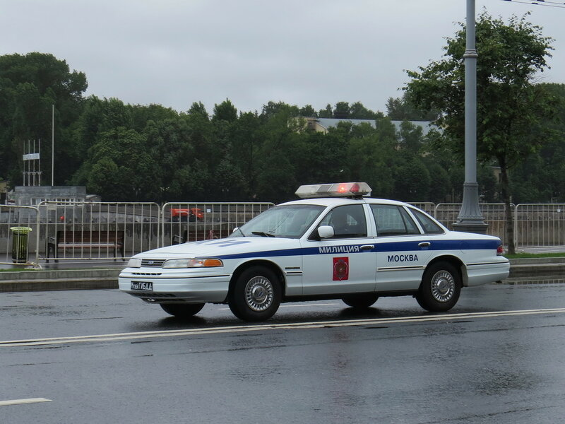 Ford Crown Victoria _430