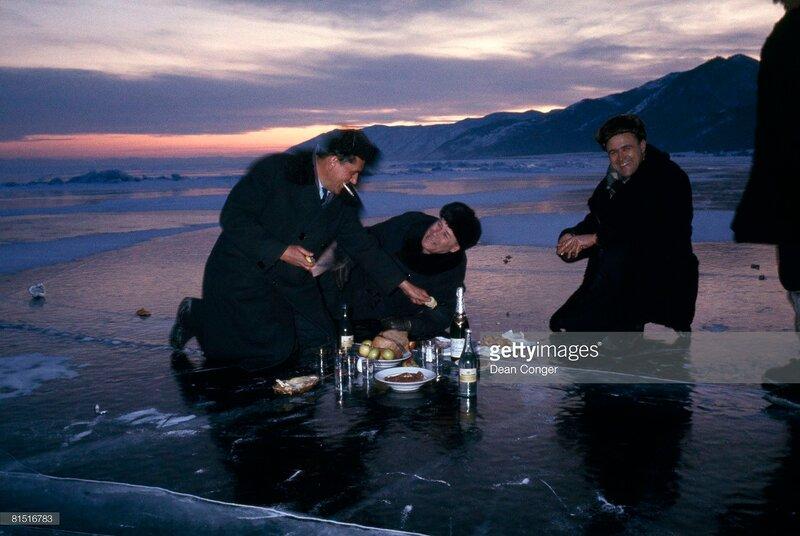 1967 Пикник на льду Байкала Dean Conger.jpg