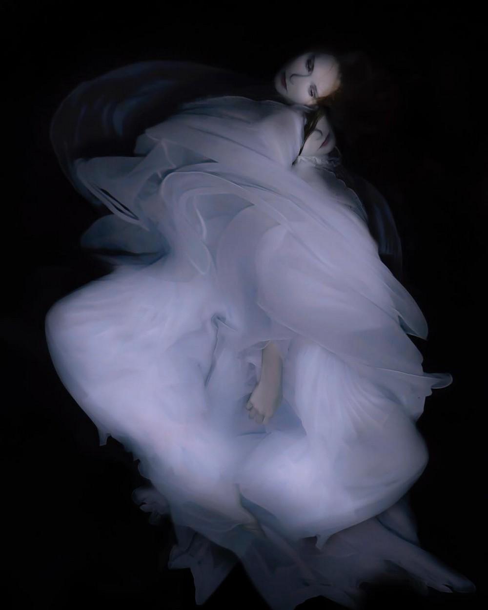 Невесомые женские образы на подводных снимках Габриэле Виртель