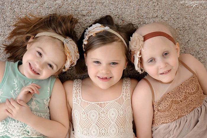 Победив рак, девочки повторили фотосессию, сделанную в начале пути