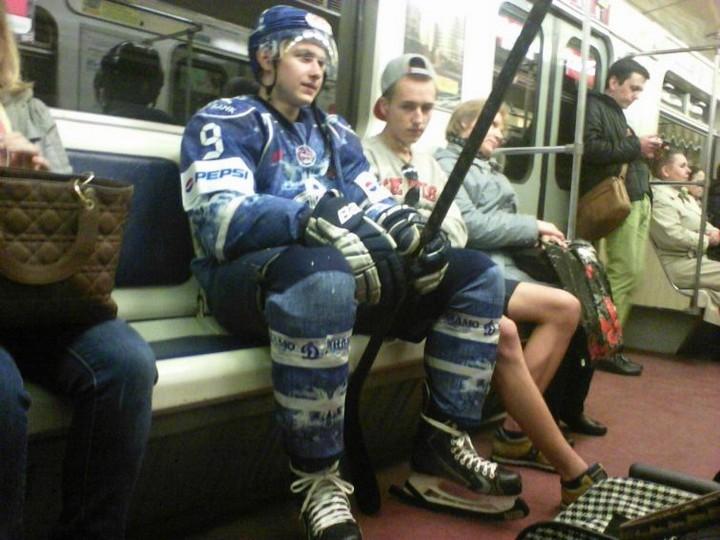 Модники в российском метро (30 фото)