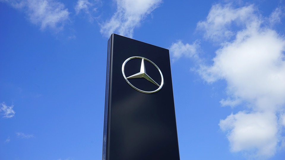 Benz продемонстрировал прототип нового компактного седана A-Class