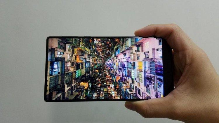 Самсунг оснастит Galaxy Note 8 двойной камерой стрехкратным оптическим зумом