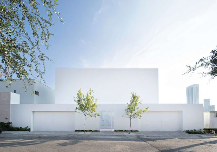 GLR Arquitectos and Estudio Alberto Campo Baeza designed this stunning single family residence locat
