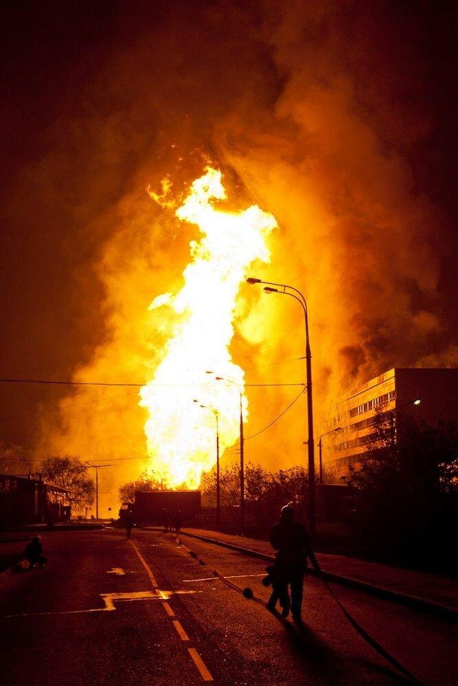 Взрыв газопровода в Очаково 10.05.09.jpg