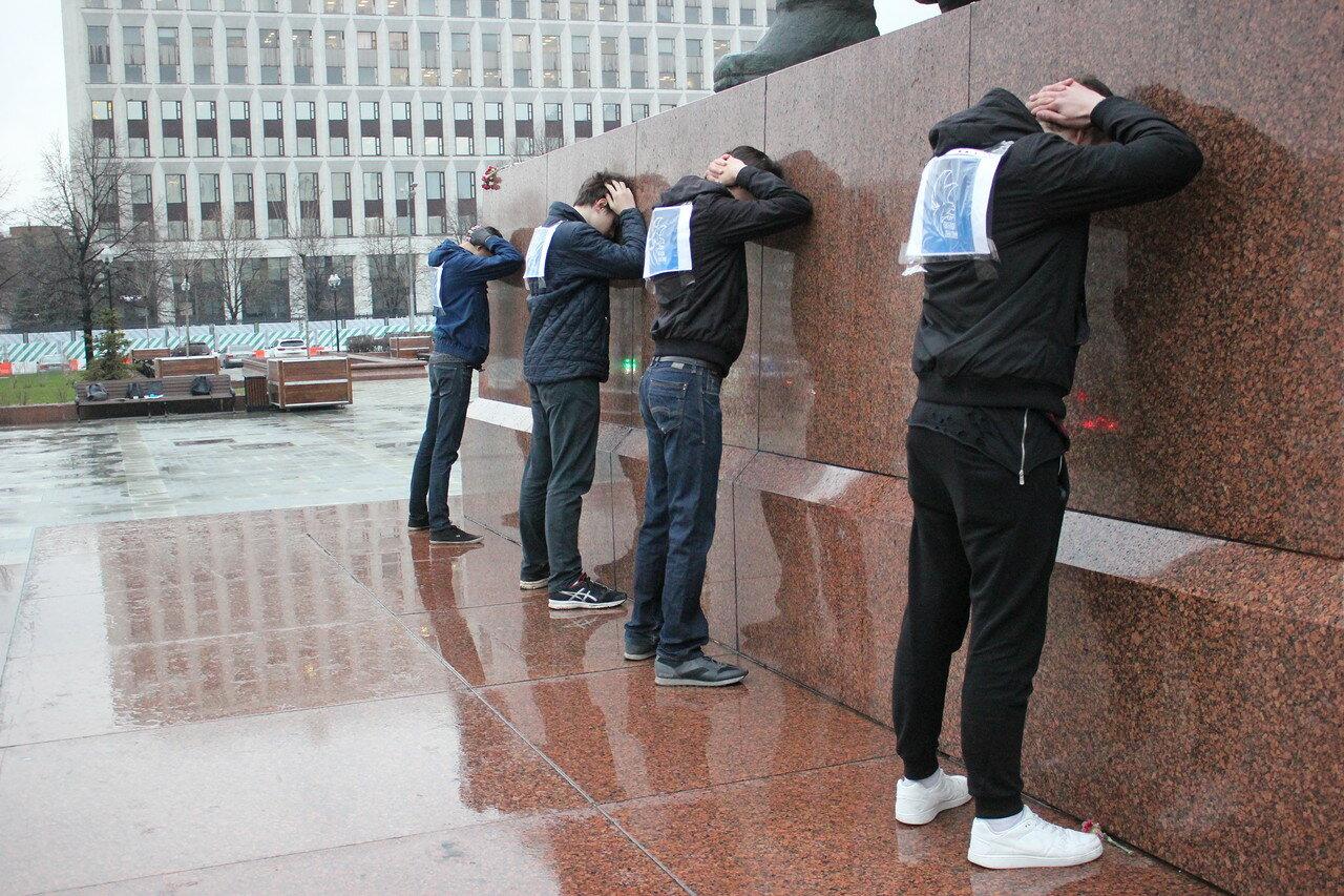 В Москве молодежь выступила против политических репрессий