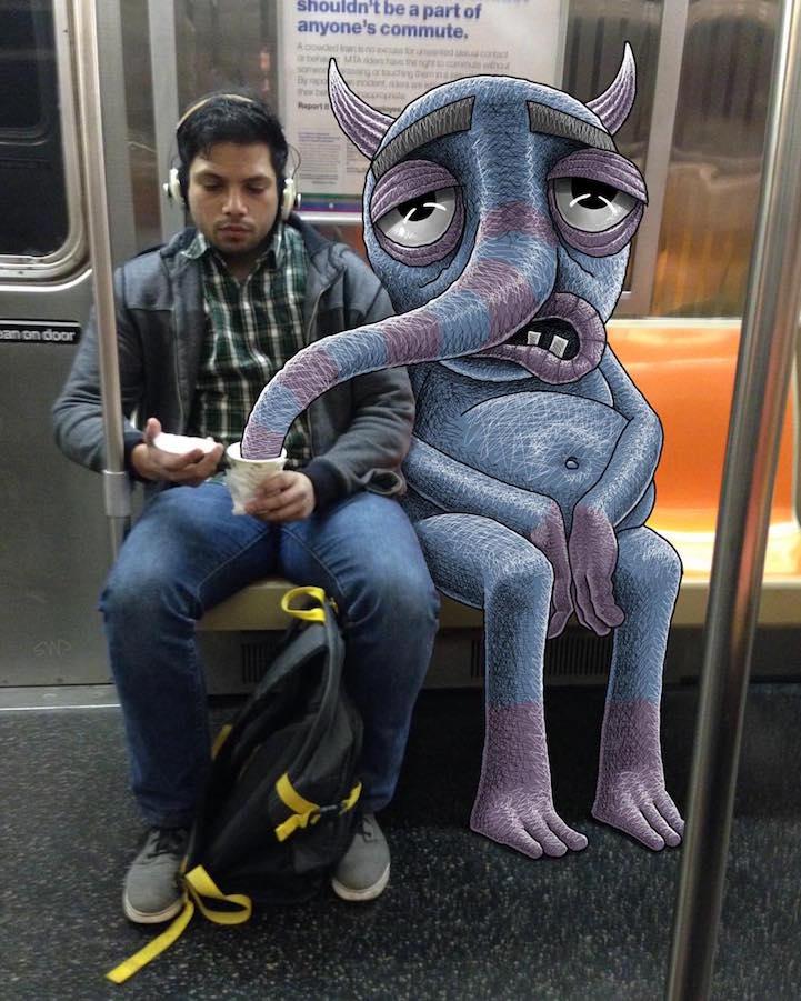 Artista desenha criaturas fantasticas que interagem com as pessoas no metro de Nova Iorque (14 pics)