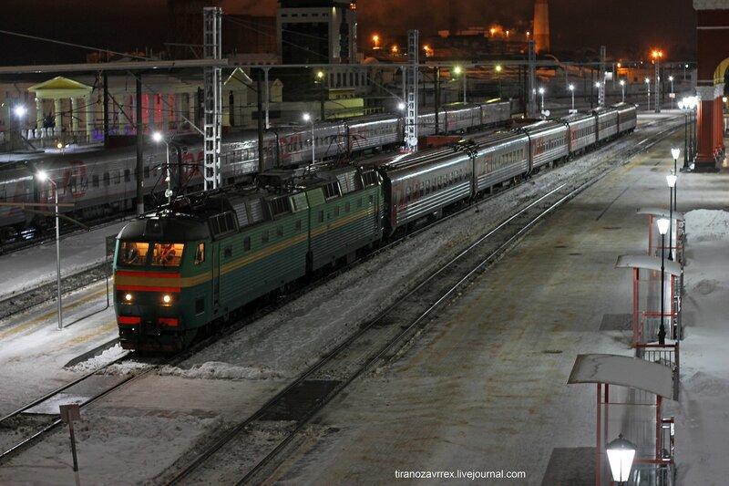 ЧС7-203 с поездом 105 Москва - Курск на станции Орёл