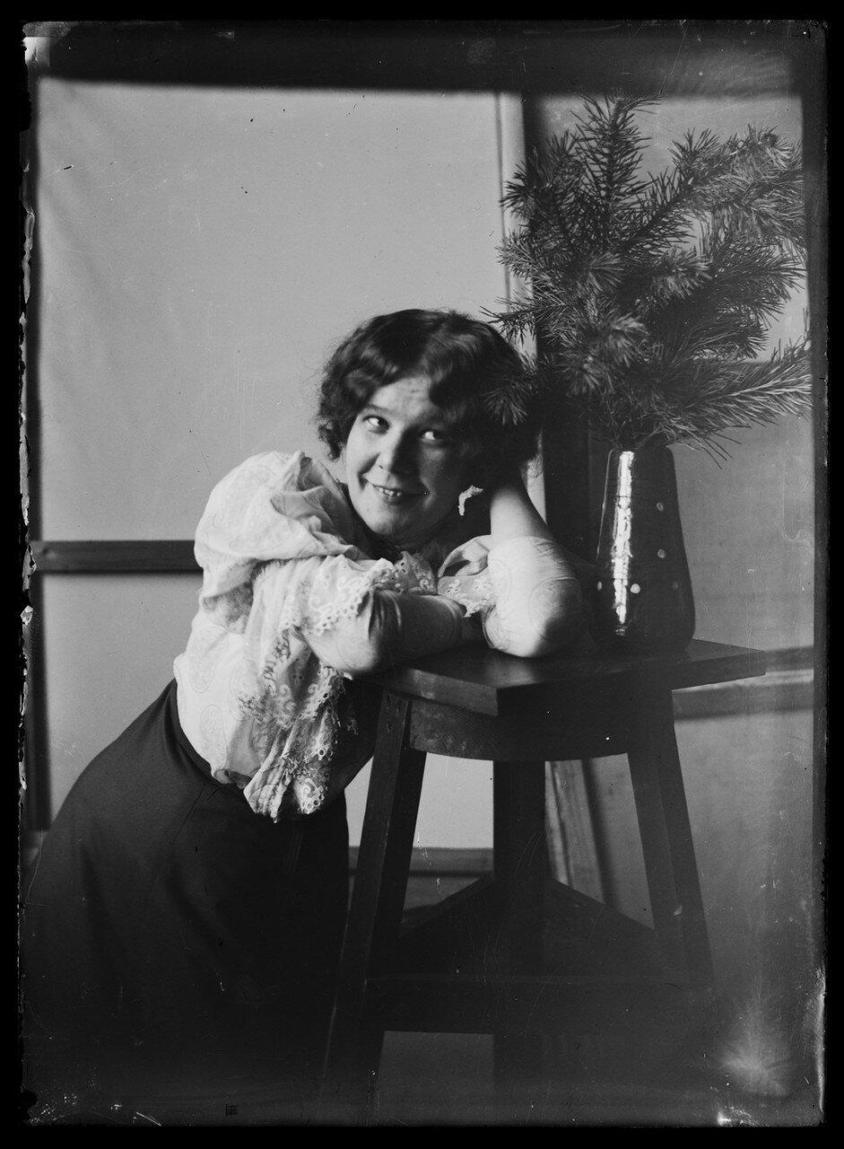 Анни Симберг,  жена художника