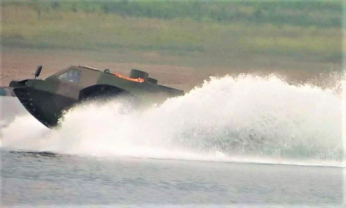 Tank_Swim2.jpg