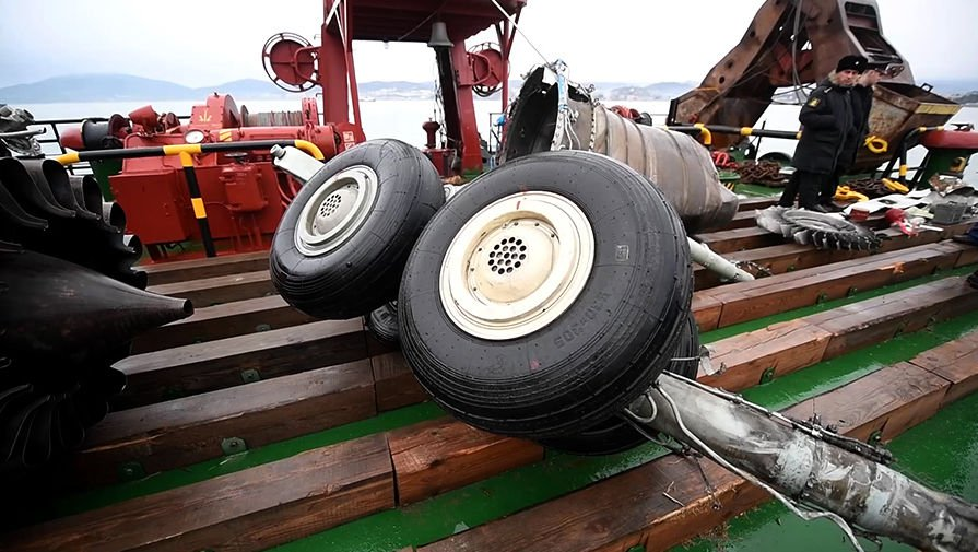 Самолет Минобороны Ту-154 мог упасть после взлета вСочи из-за перегруза