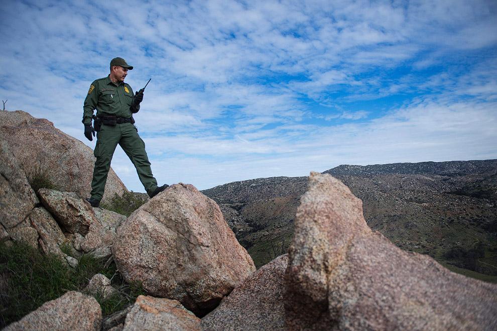 10. Американо-мексиканская граница в Текейт, северо-западная Мексика, 14 февраля 2017. (Фото Gu