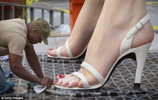 """В Чикаго была установлена скульптура """"Мэрилин навсегда"""" (7 фото)"""