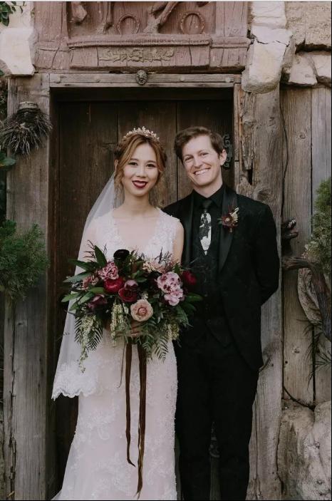 Свадьба в стиле «Гарри Поттера»: совы, замок и волшебные палочки (18 фото)