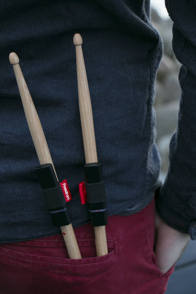 Freedrum - A clever gadget that let you play the drum anywhere!