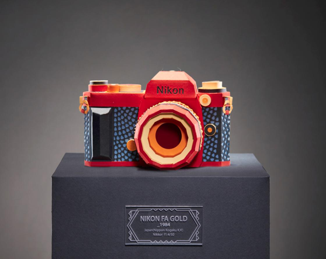 This Korean artist reproduces vintage cameras with paper