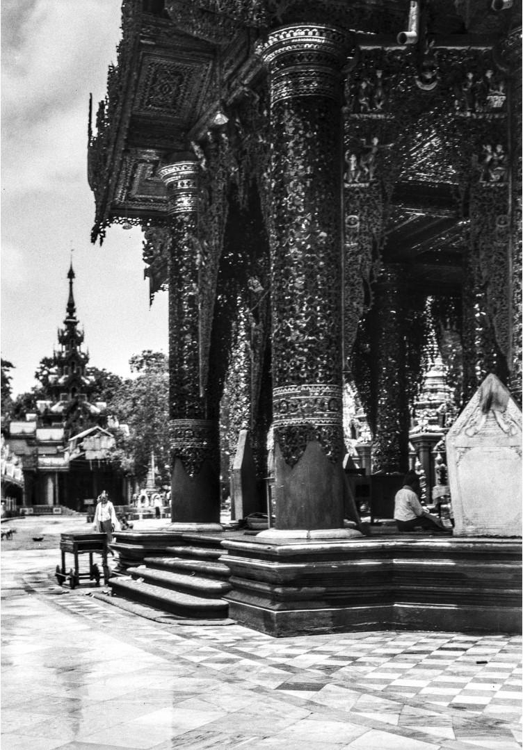 840. Рангун. Пагода Шведагон, вход в храм