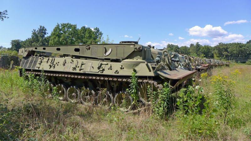 Abandoned-Italian-Army-tanks-and-mothballed-armoured-personnel-carriers-8.jpg