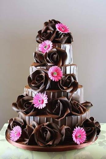 Открытка. 11 июля Всемирный день шоколада! Красивый шоколадный тортик!