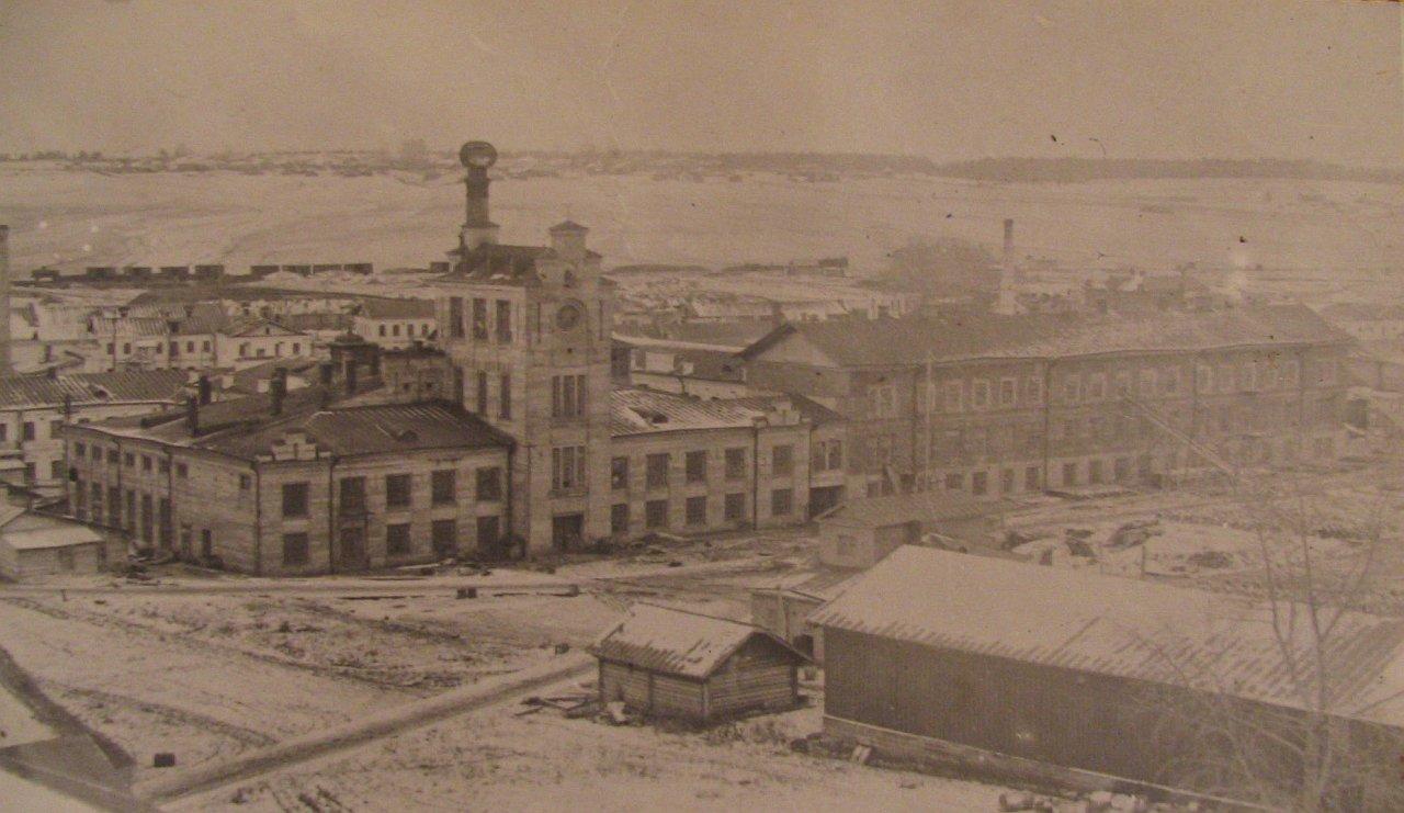 История промышленности в фотографиях: Кожевенно-обувной завод в поселке Вахруши (Кировская область)