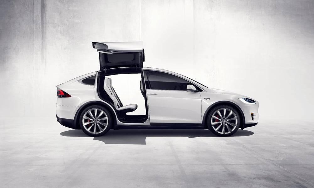 В один прекрасный день беспилотных автомобилей станет больше, чем управляемых водителем. А через как