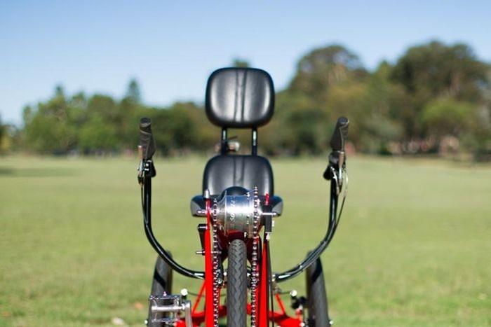 2. Большинство современных велосипедов и мотодельтапланов не может похвастаться удобным посадочным м