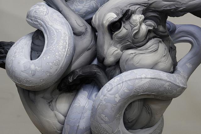 Бети Кавенер родилась в Пасадене, штат Калифорния, в 1972. Окончив колледж, переехала в Вашингтон, г