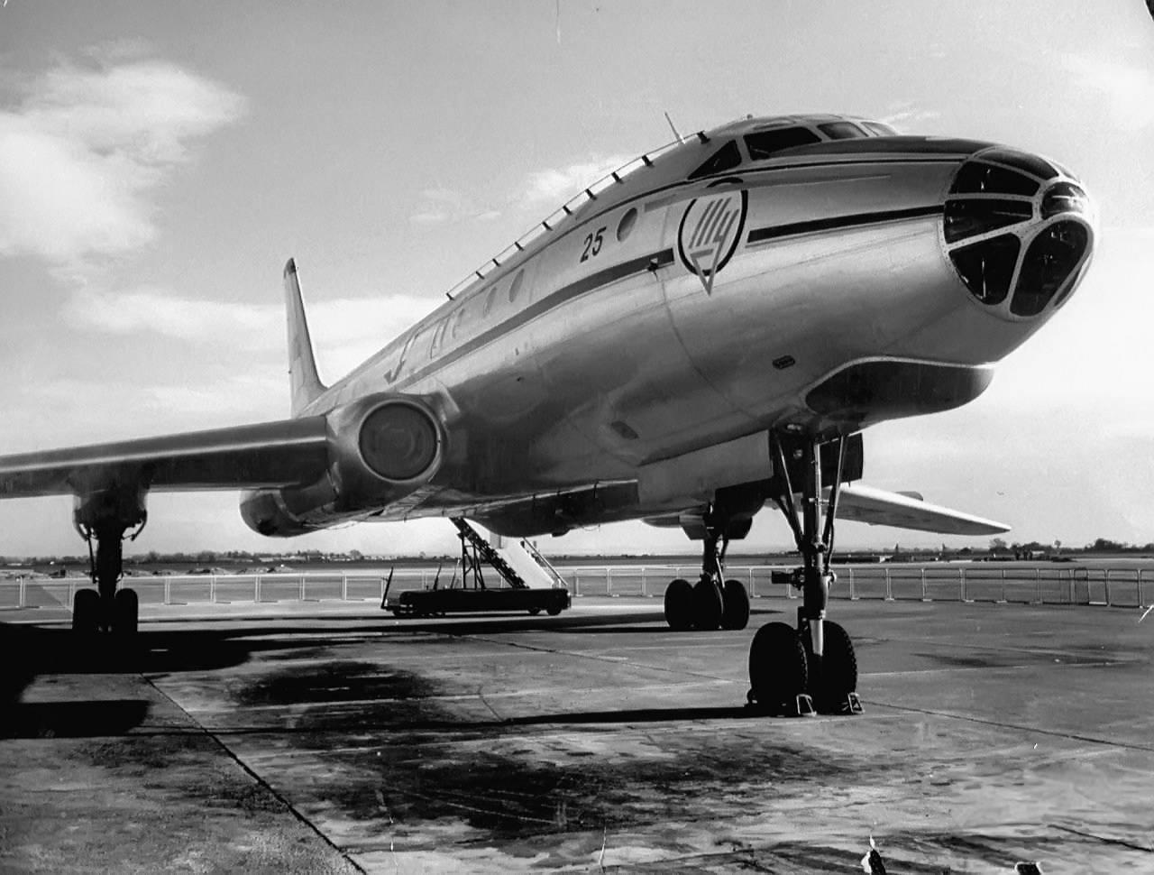 Первый самолет Ту-104 совершил полет в начале ноября 1955 года. Таким образом, на разработку ушло со