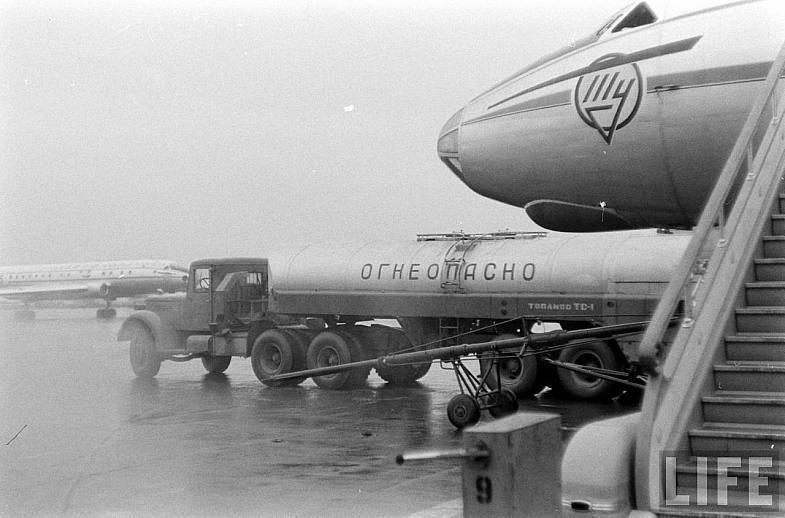 Официально последний полет Ту-104 состоялся в ноябре 1986 года. А вот некоторые люди утверждают, что