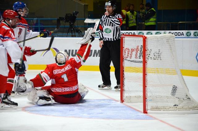 Юниорская сборная РФ похоккею сыграет с Белоруссией наЧемпионате мира