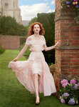 Karen-Elson-as-the-The-Velvet-Vixen-for-Bazaar-UK-08.jpg