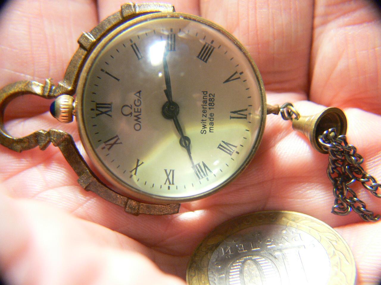 Продаются omega made switzerland г, хрустальные часы шар, в хорошем рабочем состоянии!
