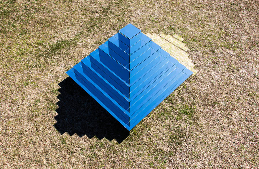 Mirrored Ziggurat to Connect The Earth and Sky