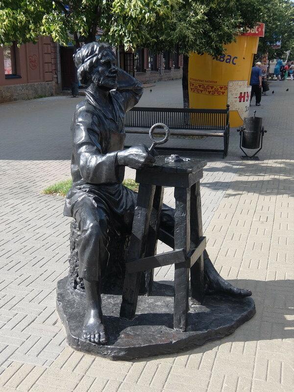Челябинск - Памятник Левше